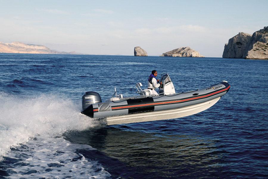 location bateau pro open 650 zodiac bateau moteur louer b nodet partir de 1750 euros. Black Bedroom Furniture Sets. Home Design Ideas