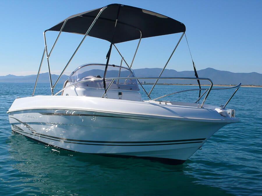 Photo du bateau à moteur JEANNEAU Cap Camarat 5.5 CC