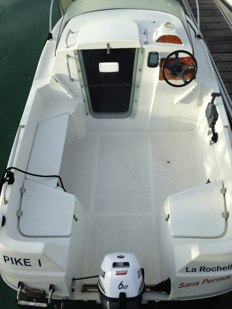 location bateau 435 cabin sans permis quicksilver bateau moteur louer port des minimes. Black Bedroom Furniture Sets. Home Design Ideas