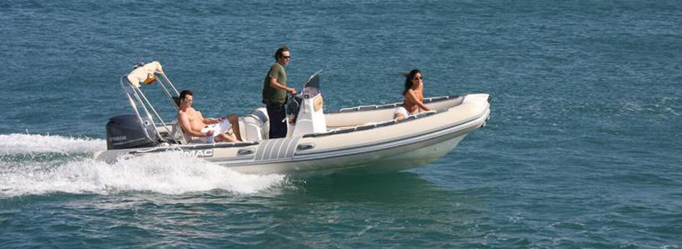 location bateau 600 in lomac bateau moteur louer saint malo partir de 0 euros. Black Bedroom Furniture Sets. Home Design Ideas